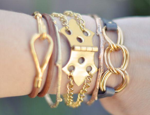 De jolis tutoriels pour fabriquer vos bijoux bracelets chains jewelry ideas 10 minutes diy bracelets unique gold hinge and chain bracelet solutioingenieria Gallery