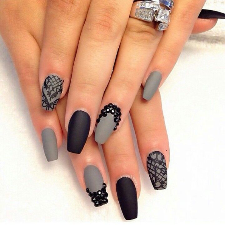 Black and silver matte | Matte nails, Nails, Gray nails
