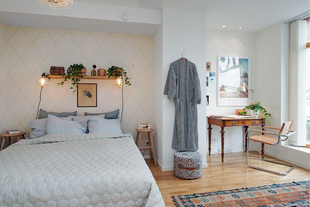 Rofyllt sovrum med plats för många funktioner