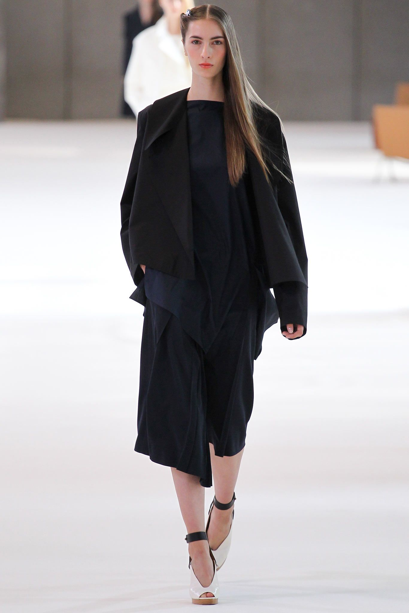 Christophe Lemaire Spring 2015 Ready-to-Wear - Collection - Gallery - Look - Style.com