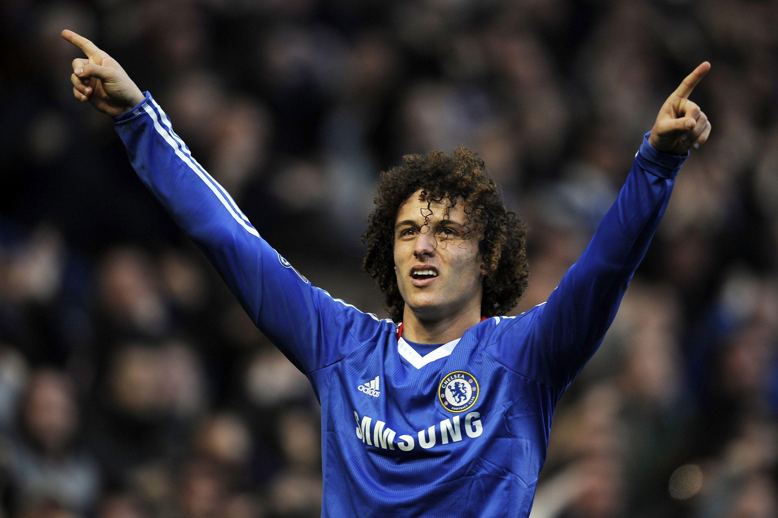 Awesome David Luiz Defender Chelsea Ipad Wallpaper
