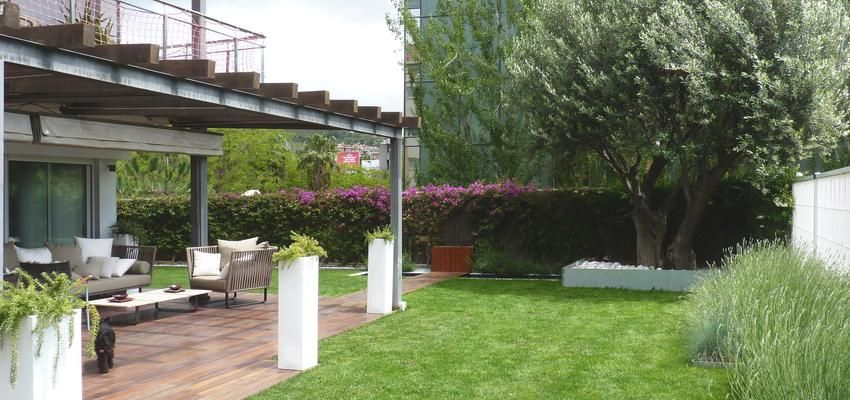 Porche, Exterior, Jardin style contemporaneo color verde, azul