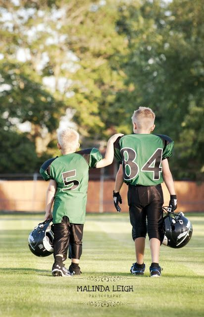 Child Picture Idea Football Brothers Malinda Leigh Photography Kids Sports Photography Football Photography Football Pictures
