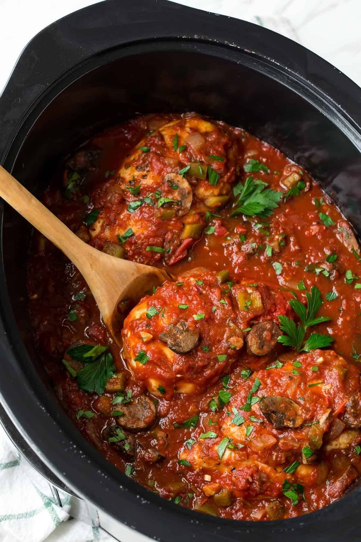 Easy Slow Cooker Chicken Cacciatore. A tasty slow cooker ...