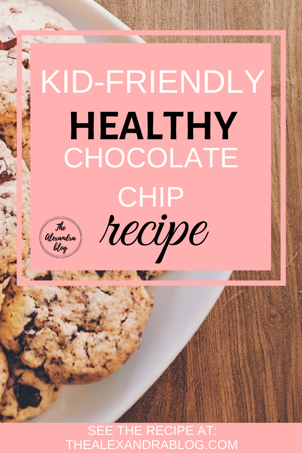 One of the best healthy recipes for chocolate chip cookies! This low-calorie recipe is so great and delicious it automatically goes to the ''Kid friendly meals'' list! #healthyrecipes #chocolatechipcookiesrecipe #kidfriendlymeals #lowcalorierecipes #lowcalorierecipes #healthyrecipeseasy #healthydessertrecipes