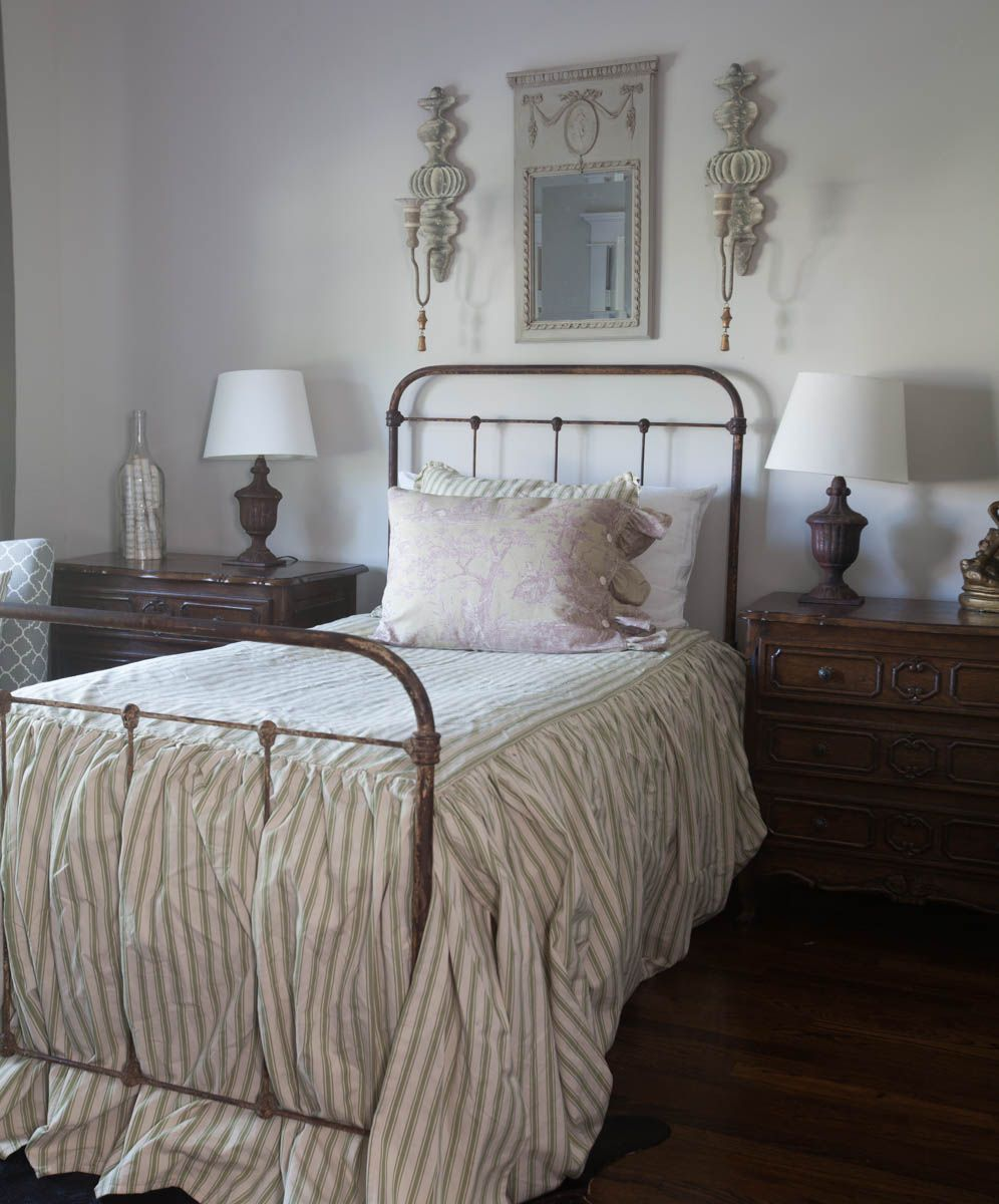 Bedroom Decorating Ideas Totally Toile: Is Toile Fabric For Home Décor In Or Out?