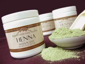 Henna For Hair It S Advantages And Disadvantages On Hair Henna Hair Hair Growth Foods Homemade Hair Color