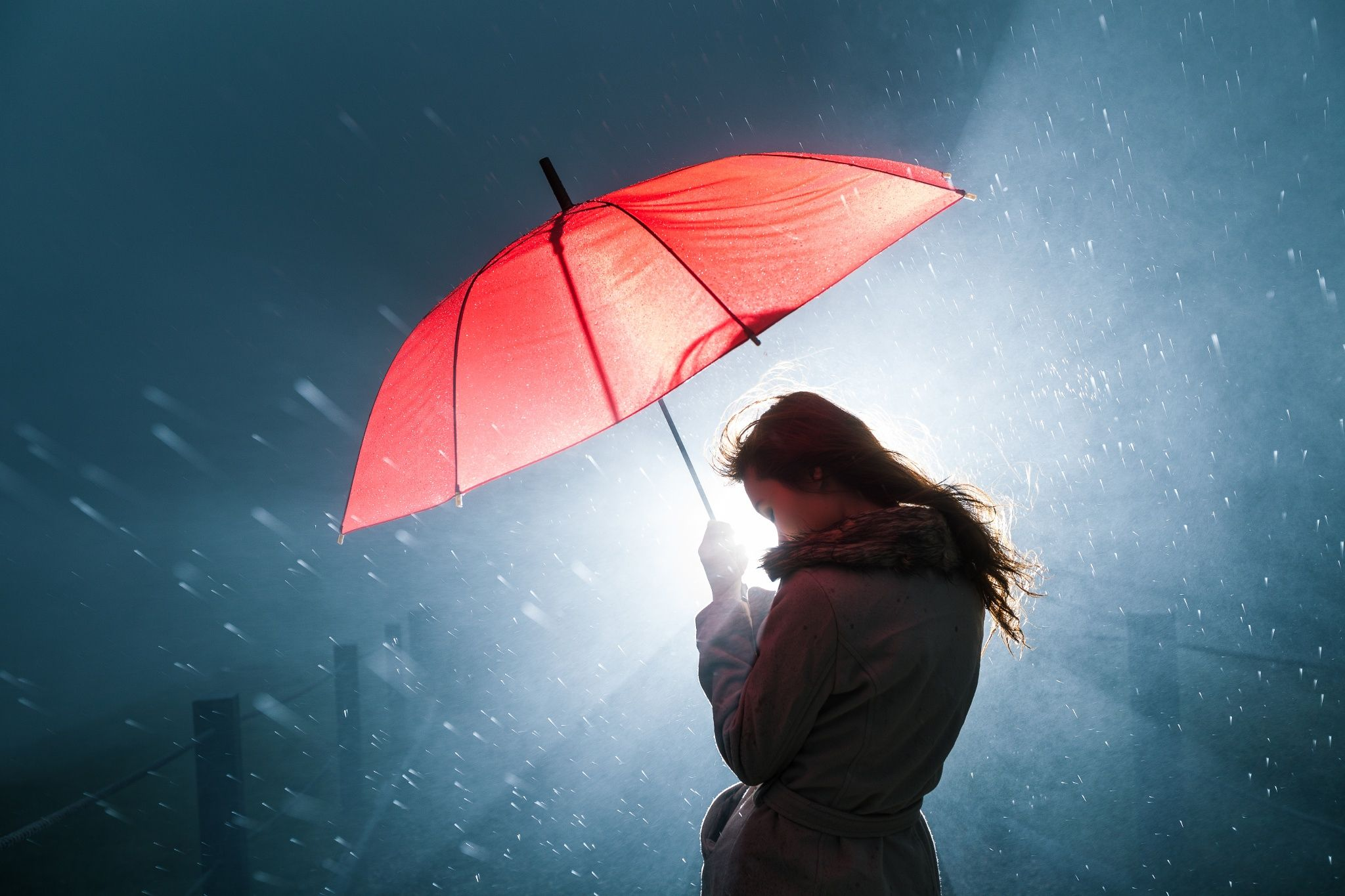 Картинки под зонтом вниз, обижай меня