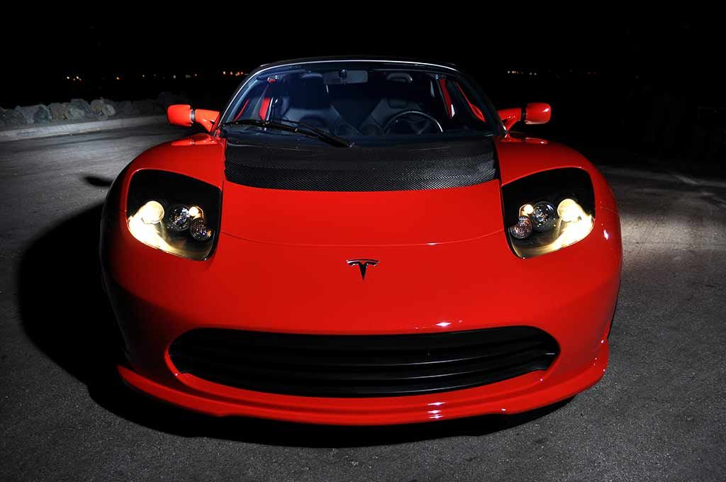 Top Sd Of A Tesla Roadster Image