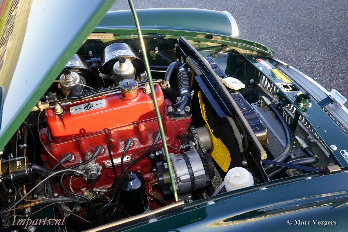 1969 MG B - GT 1800 | Classic Driver Market