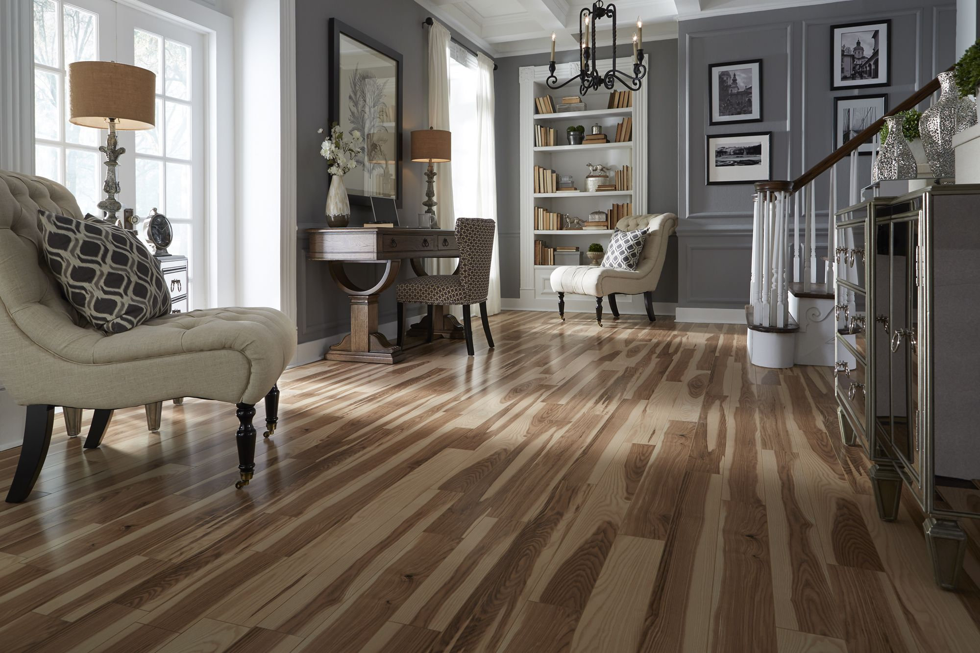 Top Style This laminate floor is the opposite of plain