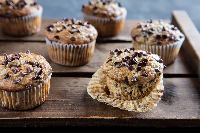 Muffin alla banana e cioccolato – Un\'americana in cucina   Dolci ...