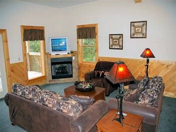 Smoky Mountain Luxury Cabin Rentals At Http://www.encompassvacations.com