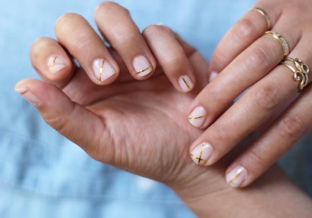 Diy: uñas de oro paso a paso. ¡Es muy sencillo!