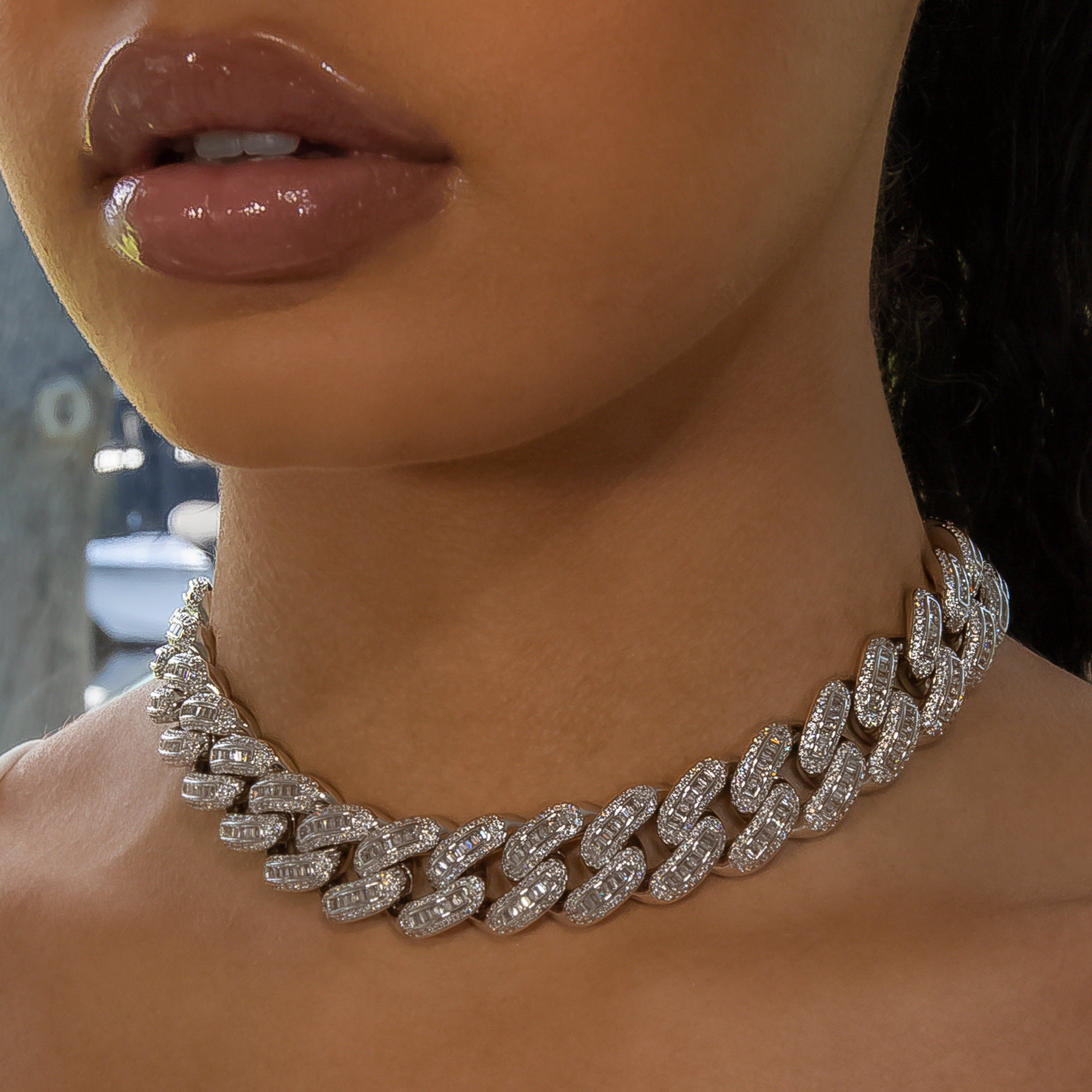 18mm White Gold Bugatti Link Necklace Girly Jewelry Expensive Jewelry Luxury Expensive Jewelry