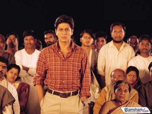 Shahrukh Khan In Swades We The People 2004 Shahrukh Khan Shah Rukh Khan Movies Best Bollywood Movies