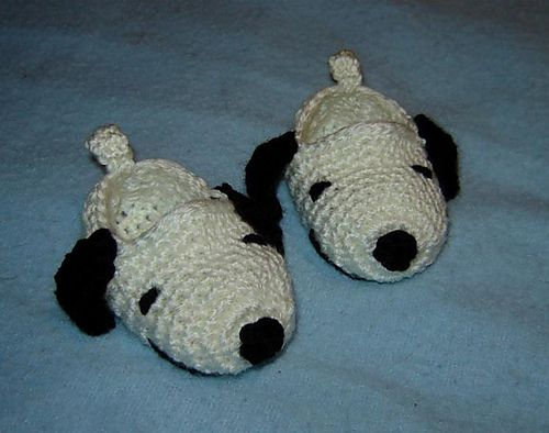 Ravelry: Pattern 58 - Crochet Snoopy Booties, Wearing Fedora Hat, Birthday Hat and Sports Hat Photo prop pattern by Cathy Ren