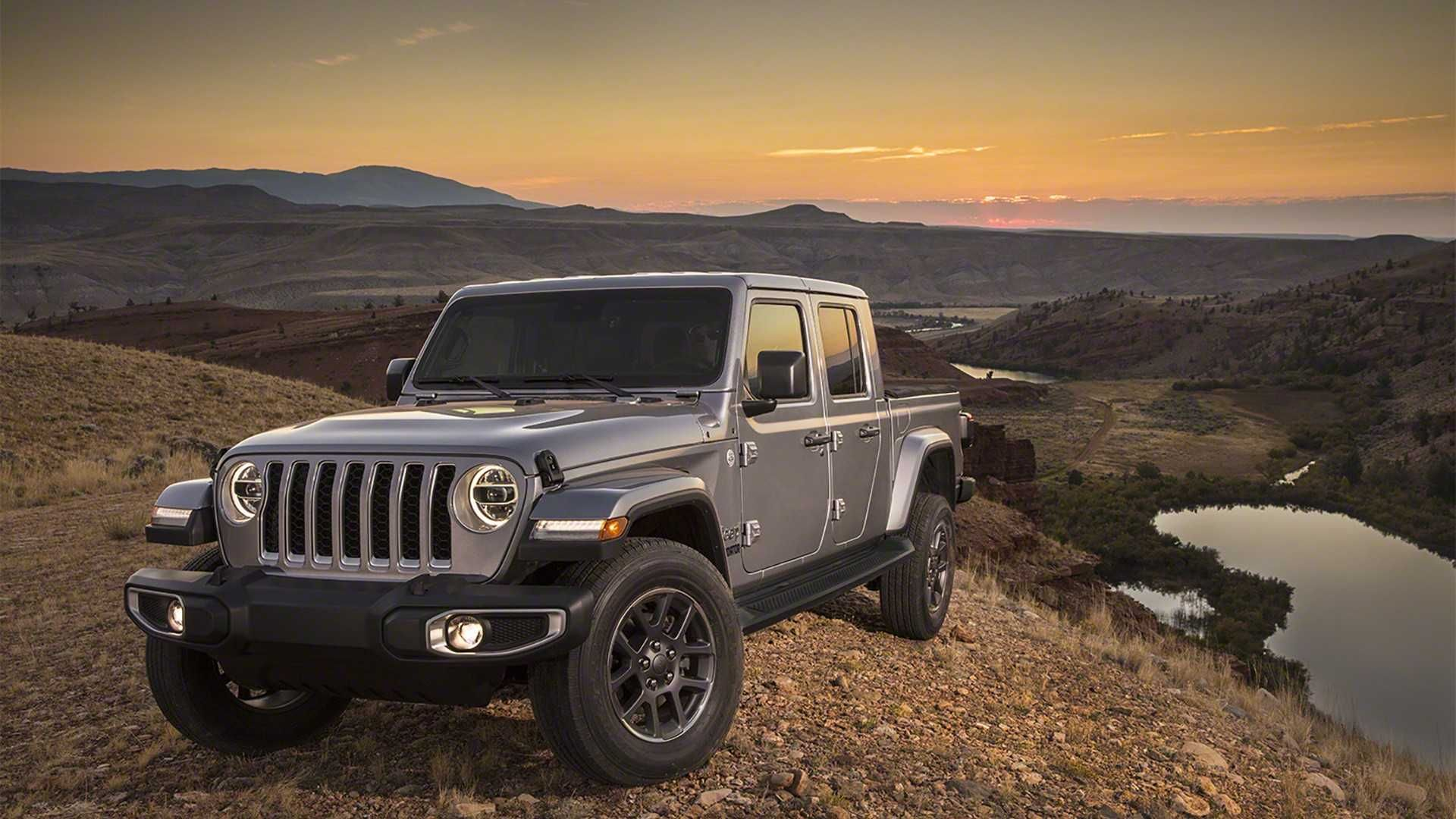 The New Jeep Gladiator Is Midsize Pickup Truck That Combines Everything Good About The Fun And Funky Wr Jeep Gladiator Wrangler Truck Wrangler Pickup