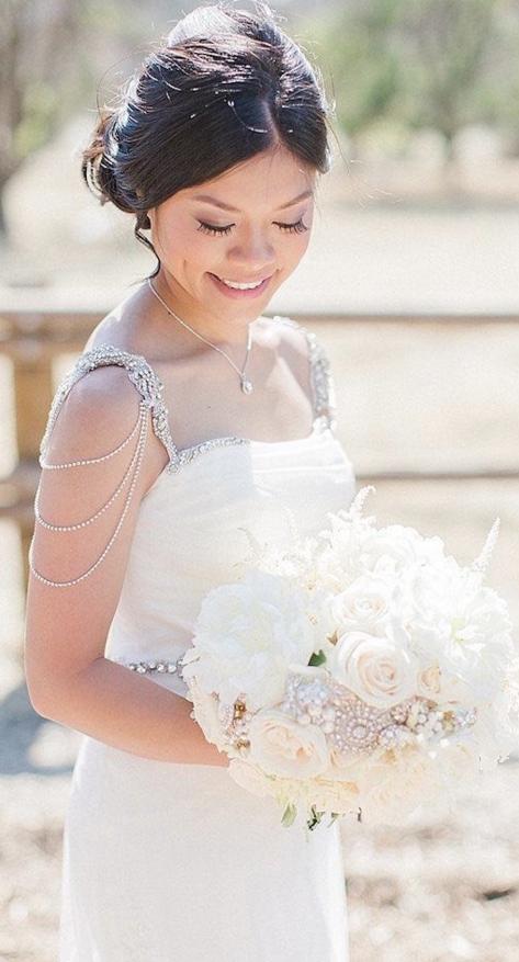 Chic wedding dress idea; photo: Trini Mai Photography