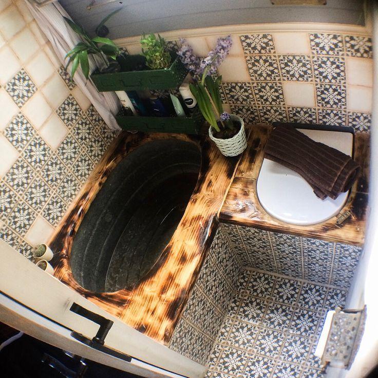 Ein Mad Van / Tiny Home Designer. auf Instagram: Alte verzinkte Badewanne Kompost #tinyhome