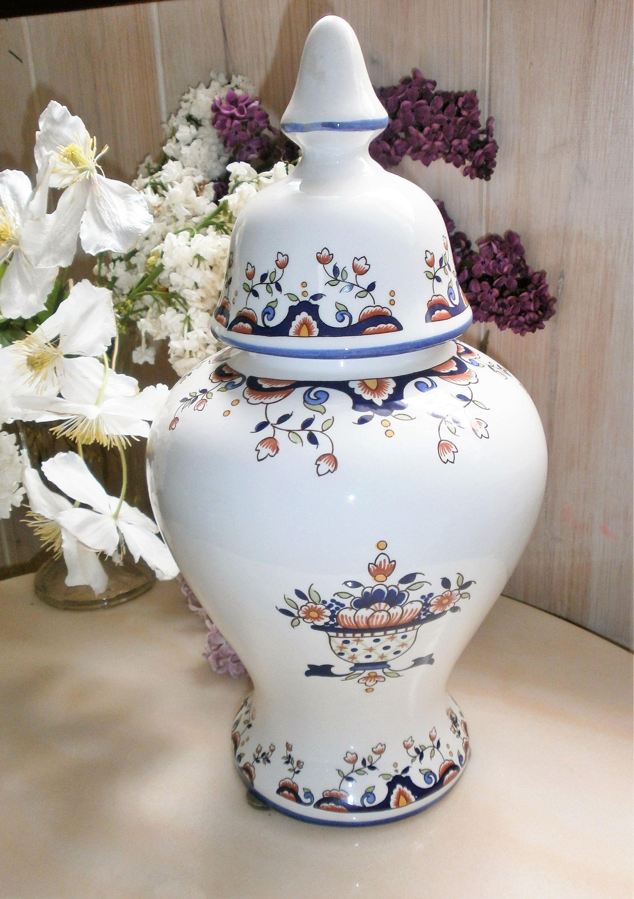 vintage fran ais grand pot d 39 apothicaire french apothecary jar rouen d cors rouen urne pot. Black Bedroom Furniture Sets. Home Design Ideas