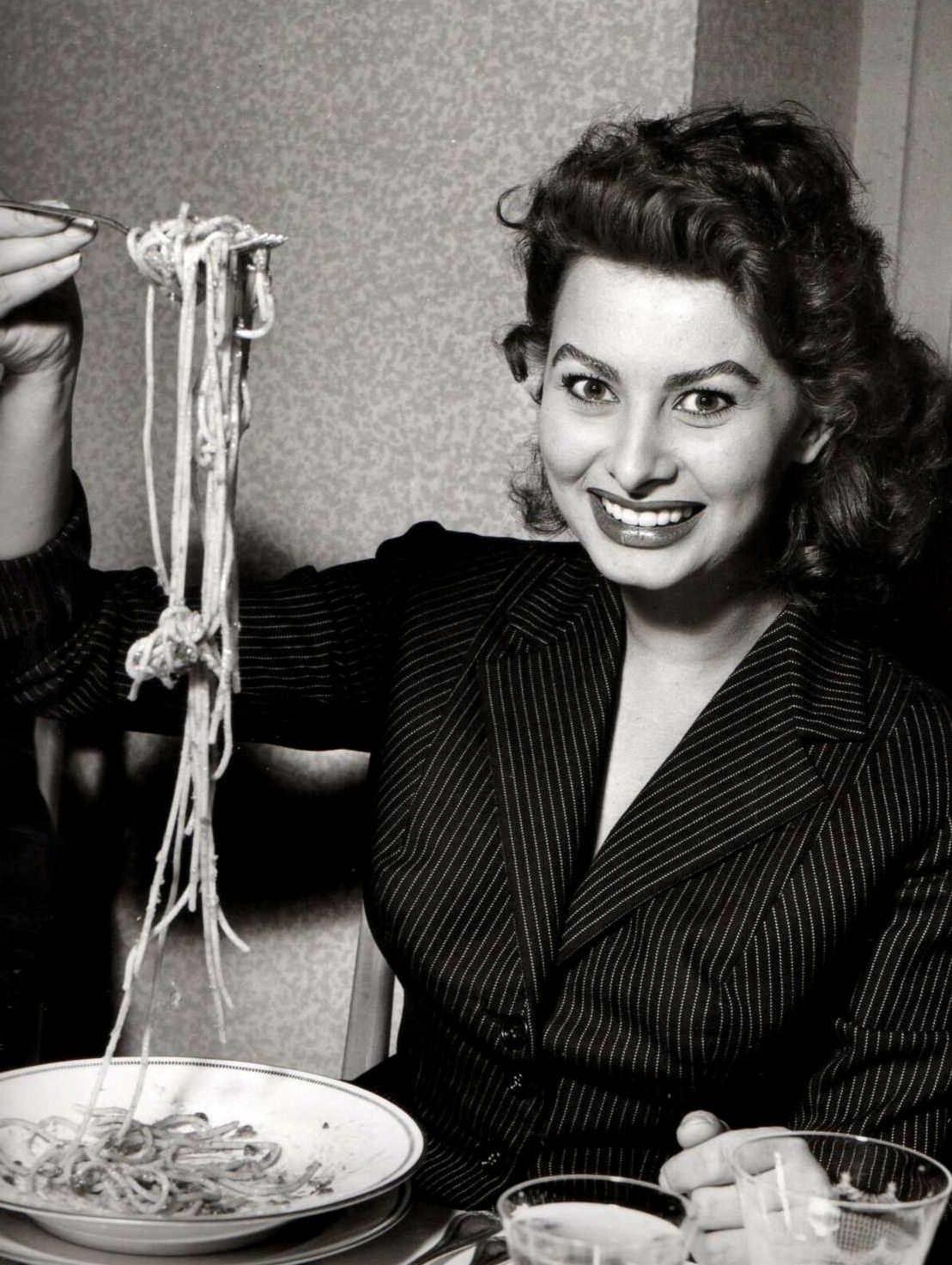 sophia loren and italian cinema Sofia villani scicolone known by her stage name sophia loren dame of the  grand cross, omri, is an italian film actress and singer encouraged to enroll  in.