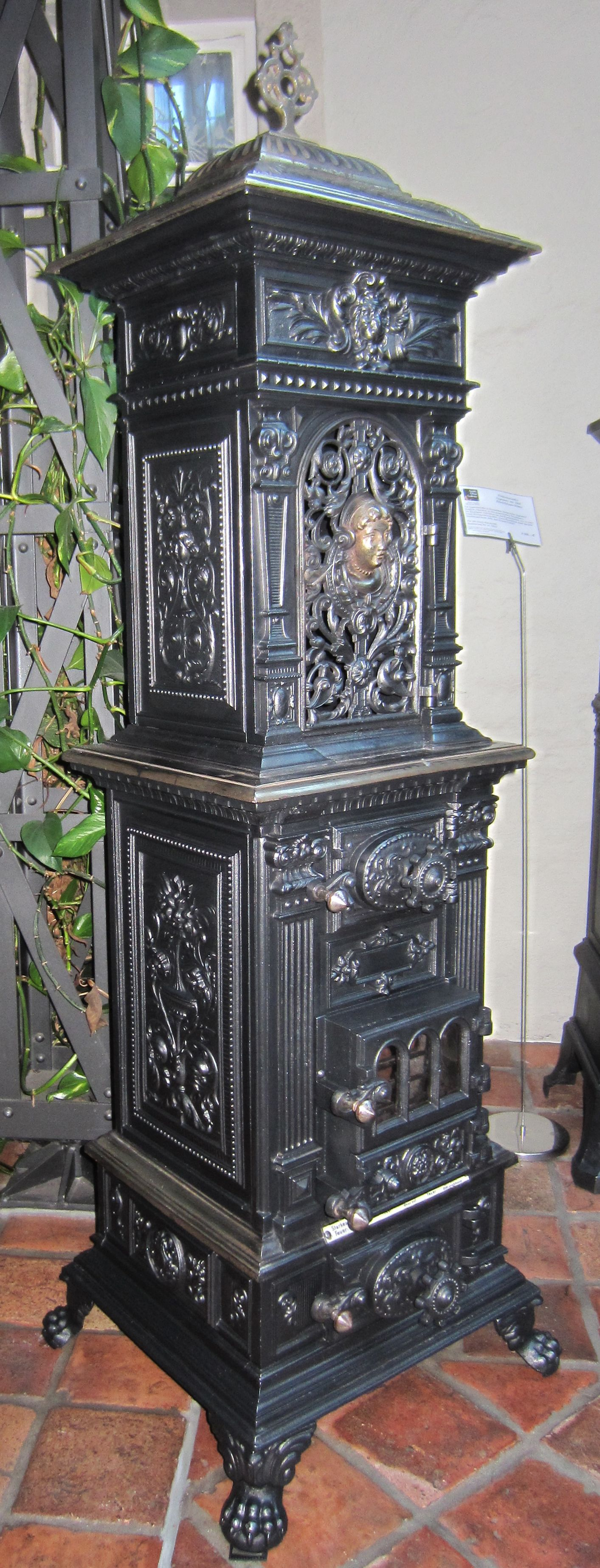 Seltener Prunkofen Mit Nickel Aus Der Antik Ofen Galerie