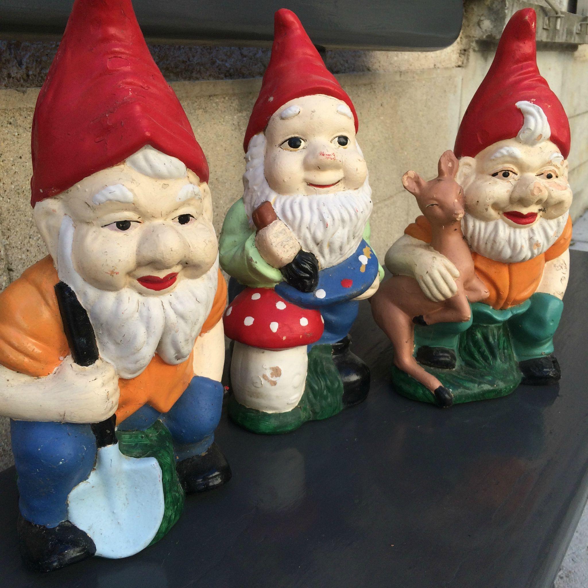 Anciens nains de jardin retour de brocantes pinterest nains ancien et jardins - Nain de jardin en terre cuite ...