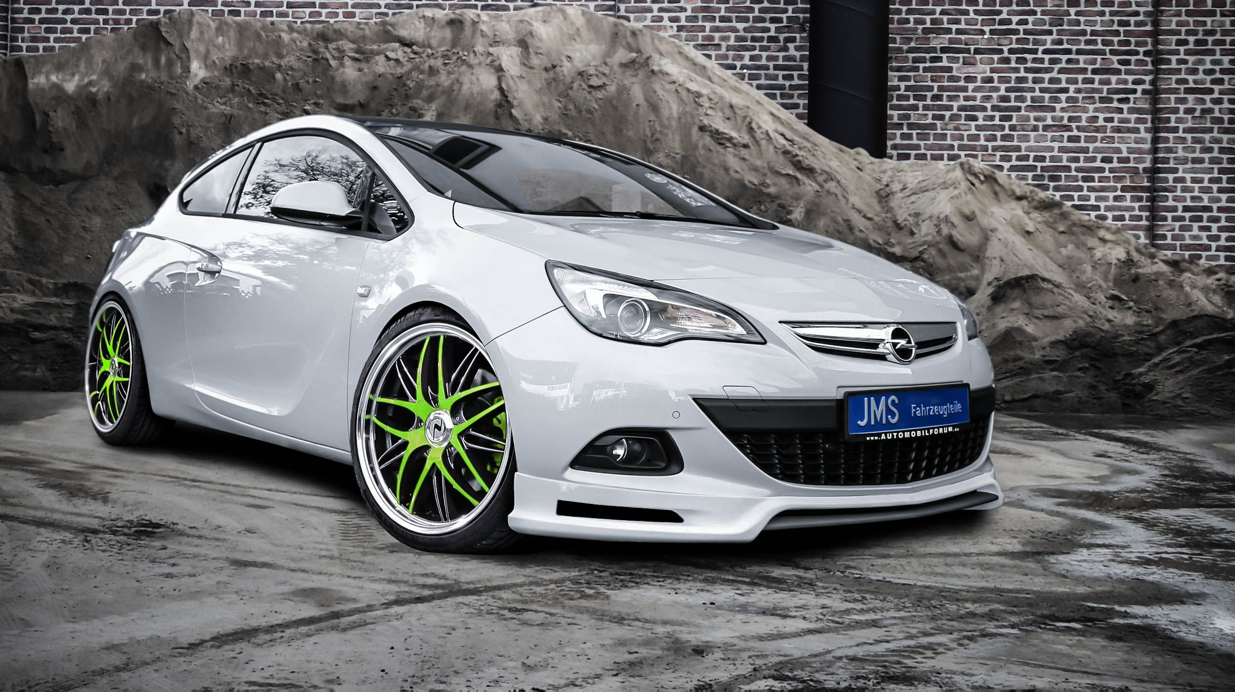 Jms Opel Astra J Gtc Coupe Shows Exclusive Styling In 2020 Opel Top Cars European Cars