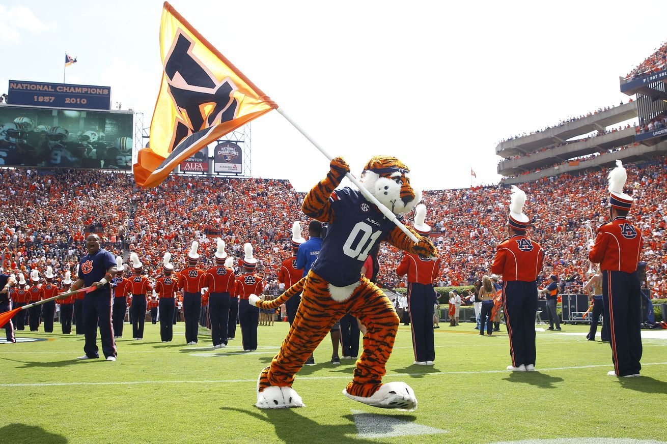 Auburn football recruiting good news coming soon