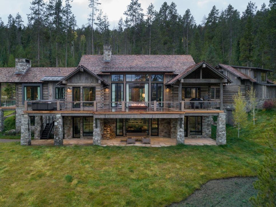 Luxury Log Cabin In Jackson Hole Wyoming Hgtv Faces Of Design 2018 Hgtv Log Cabin Rustic Luxury Log Cabins Cabin