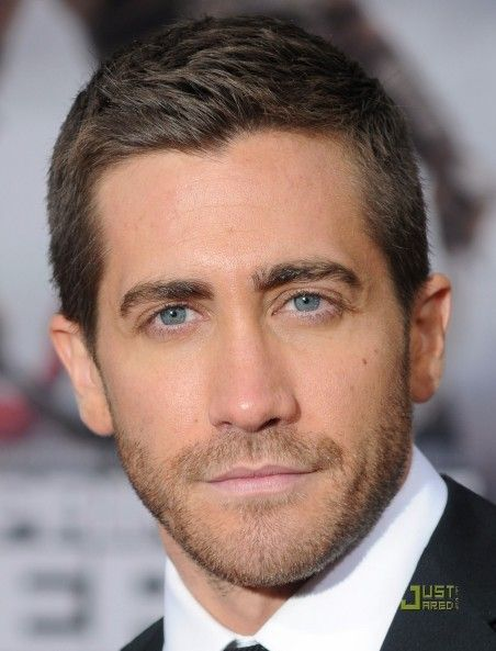 best hairstyles and new haircut for men -jake gyllenhaal haircut
