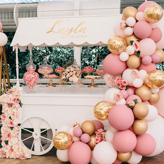 Laylas First Birthday Styled By Luxecoutureevents With This Vintage Style Set Up Balloons Boutiqueballoonsmelbourne Photography Zbyzahrah
