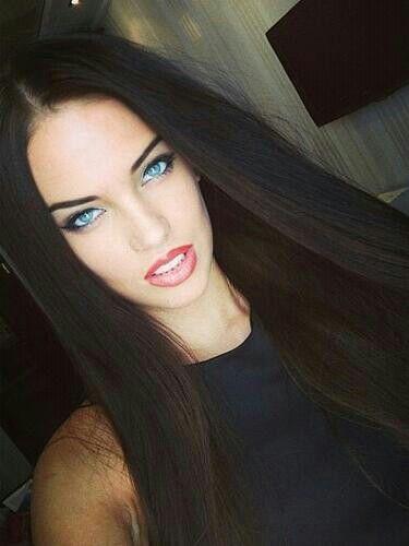 Dark Hair Blue Eye Combo Is Stunning Beautiful Hair Black Hair Blue Eyes Beauty