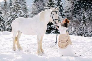 #Winter #Wedding #Bride #Horse