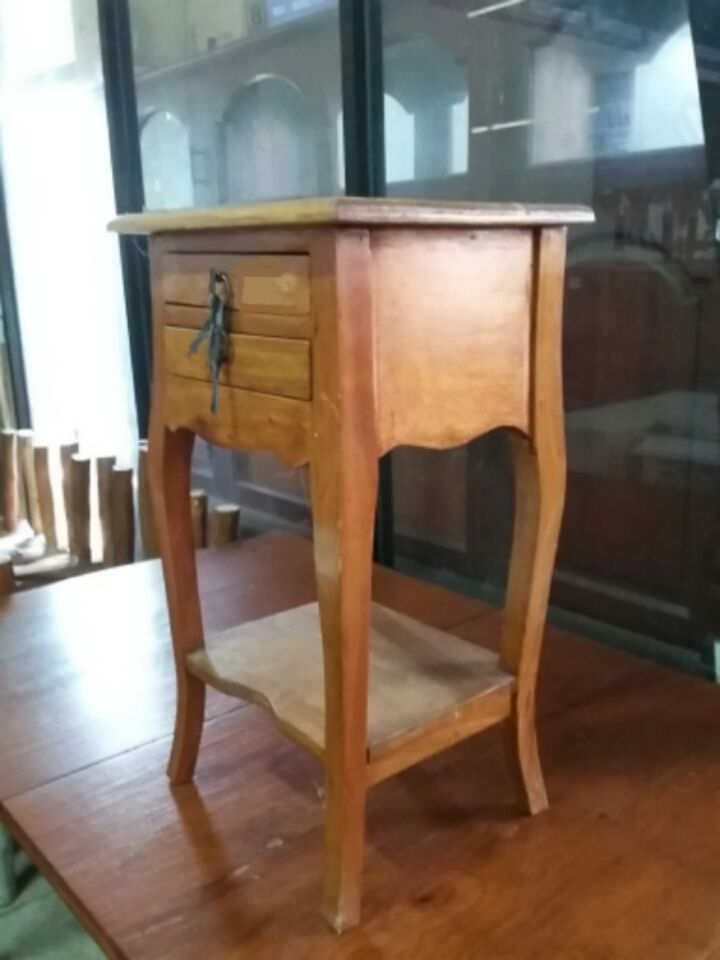 side table with 2 drawers for pot