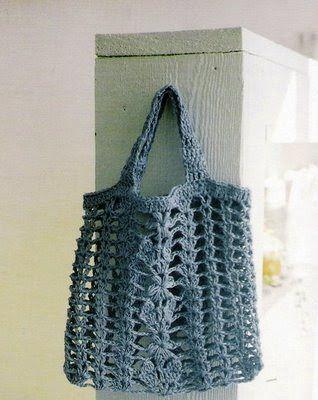 Pretty crocheted bag for when I learn to read charts...Fazendo ...
