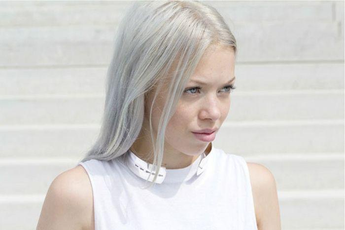 Colorer les cheveux blancs en gris