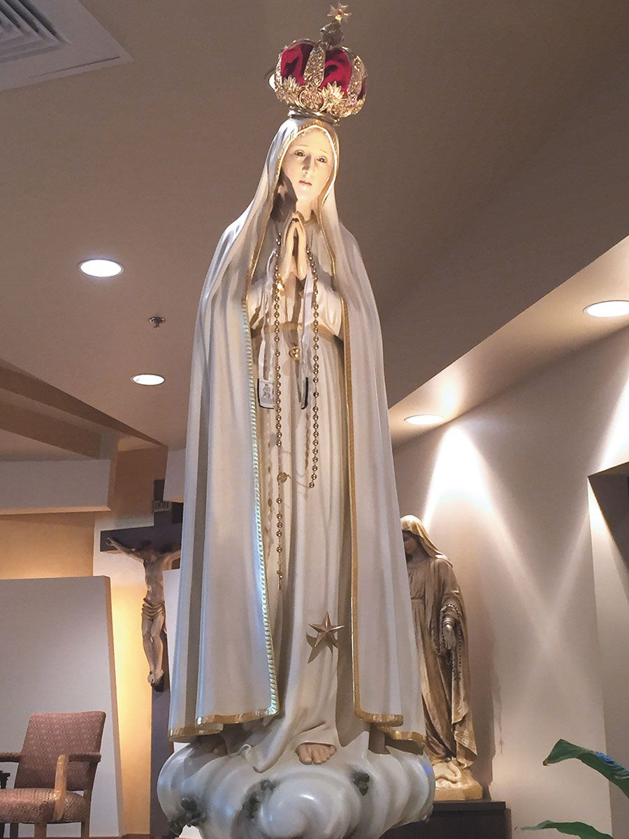 Events To Celebrate 100th Anniversary Of The First Marian Apparition In Fatima Marian Apparition Celebrities Fatima