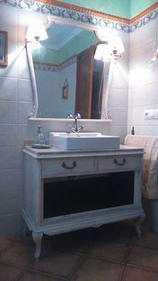 Antigua cómoda de los años 60, reconvertida en mueble de ...