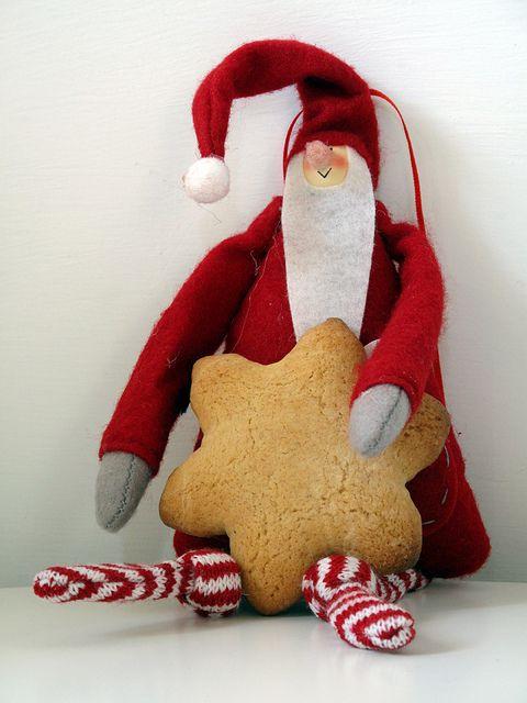 Santas cookie by SemplicementePepeRosa, via Flickr