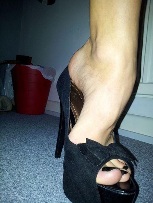 Fetish foot pic womens
