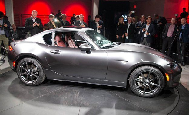 The 2017 Mazda Mx 5 Miata Rf For Retractable Fastback Replaces Hardtop But Uses A Completely Diffe Folding Roof Mechanism