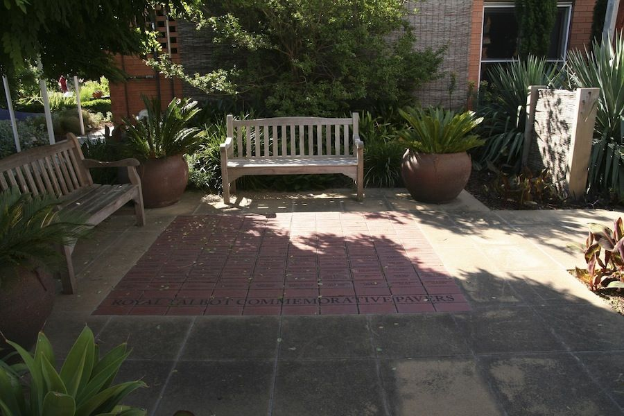 Courtyard with commemorative pavers steven wells garden for Courtyard landscaping melbourne
