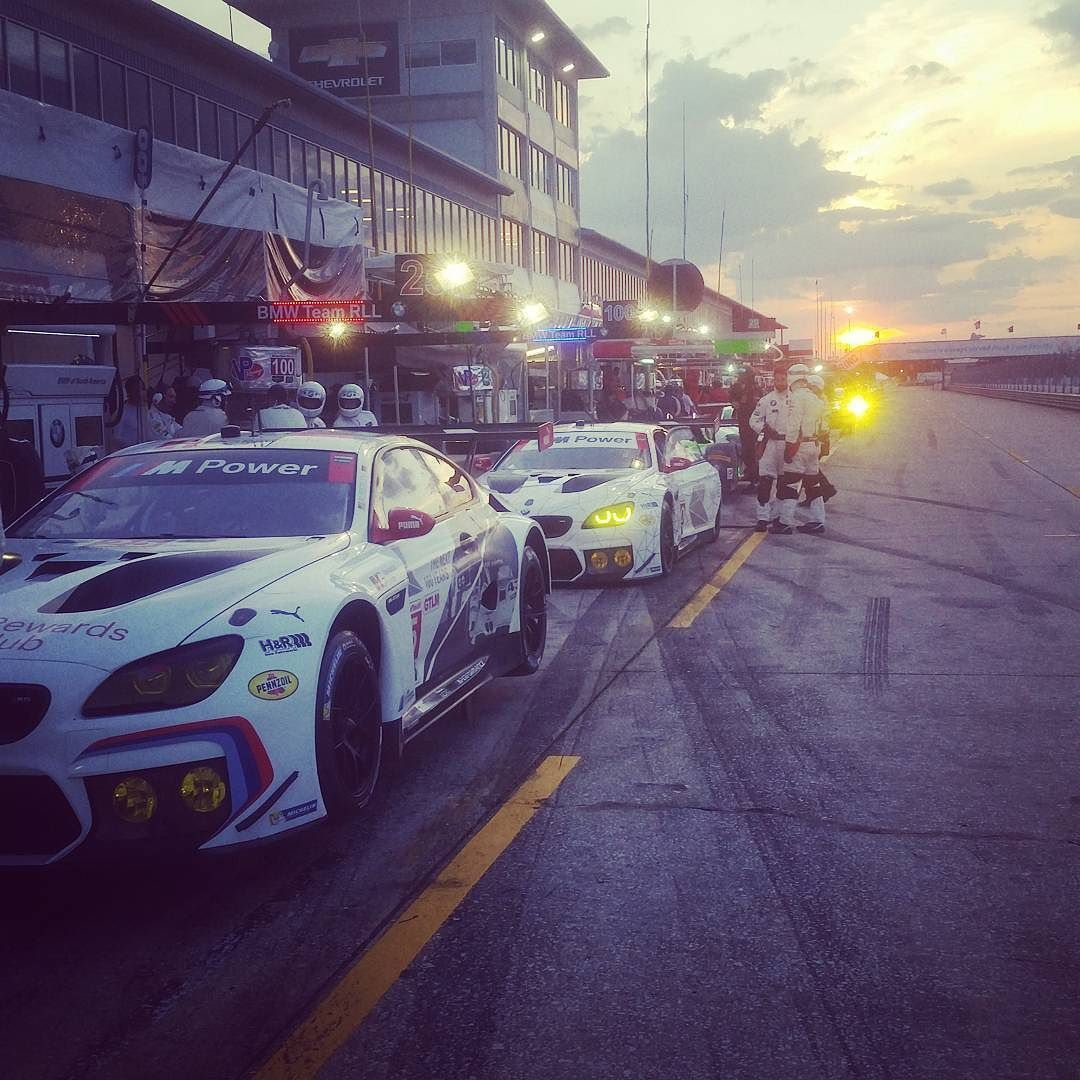 Sun is setting..time for night practice at #Sebring12