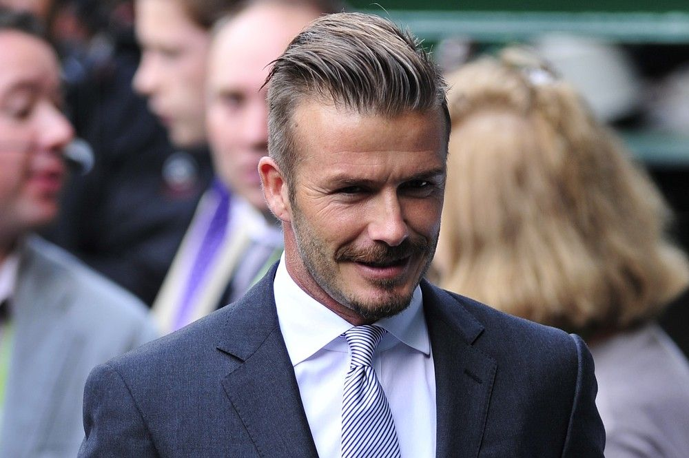 No Tennis Whites Here Most Stylish Celebs At Wimbledon Beckham Haircut Stylish Celebrities Tennis Whites