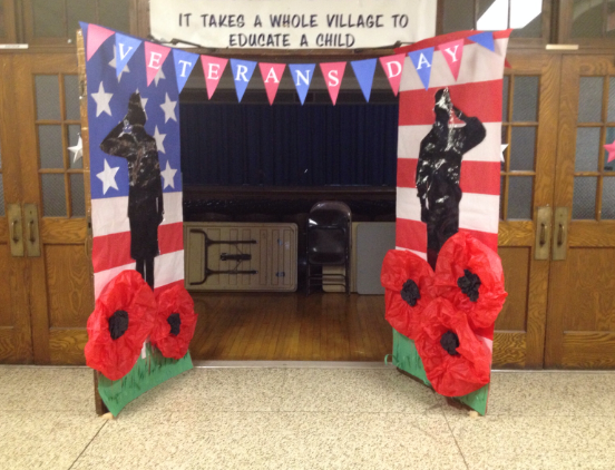"15^ ""Veterans Day Decorations"" Ideas 2020 to Make for School - Veteran Day #veteransdaycrafts"