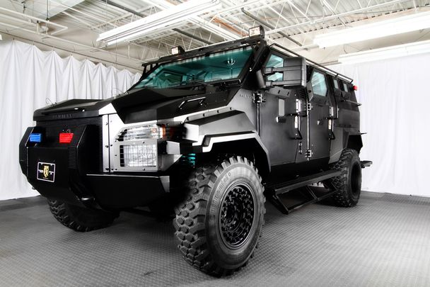 Ford F 750 Zug Armoured Swat Response Vehicle Beyond Coolness