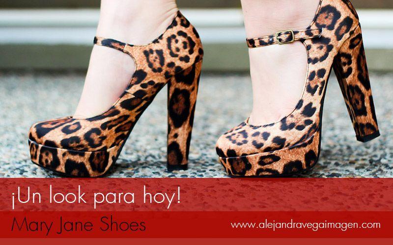 Buenos días seguidores, hoy viernes les mostrare unos clásicos zapatos con algunas modificaciones. ¿Quieren saber más de los Mary Jane shoes? No se pierdan nuestros post de hoy.