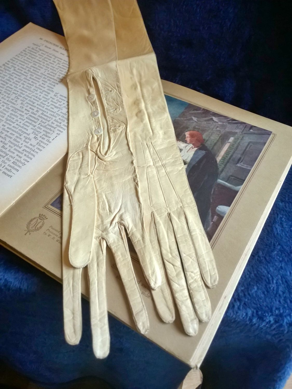 Antique Ladies Gloves, Opera Gloves, Leather, Kid Skin